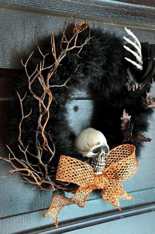 DIY Halloween Wreath with a Skull & a Hand