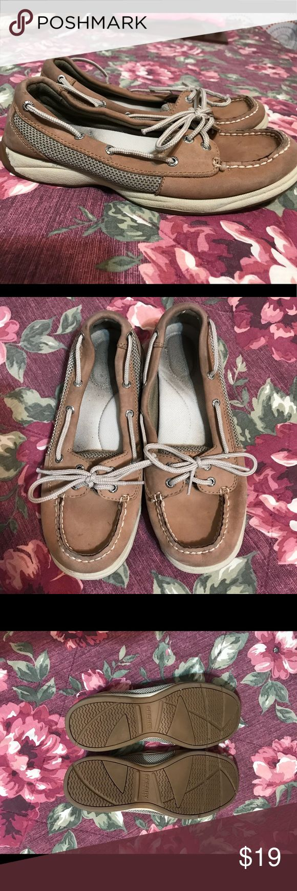 ✨WEEKEND SALE✨ Sperry Top Sider Women's Boat Shoes 🌸Fair condition. Well loved.  🌸Size 8 🌸Selling as is. Sperry Top-Sider Shoes Flats & Loafers