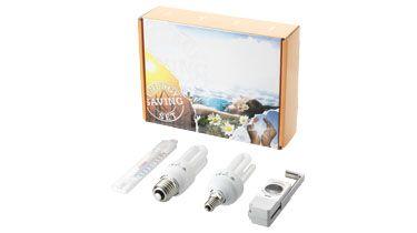 Set #ahorro energía que incluye 2 #bombillas de bajo consumo, un #termómetro para la nevera y un medidor de batería. Más información sobre el #regalo en: http://www.regalodeempresagsr98.es/regalos-merchandising/casa-vida-112256/