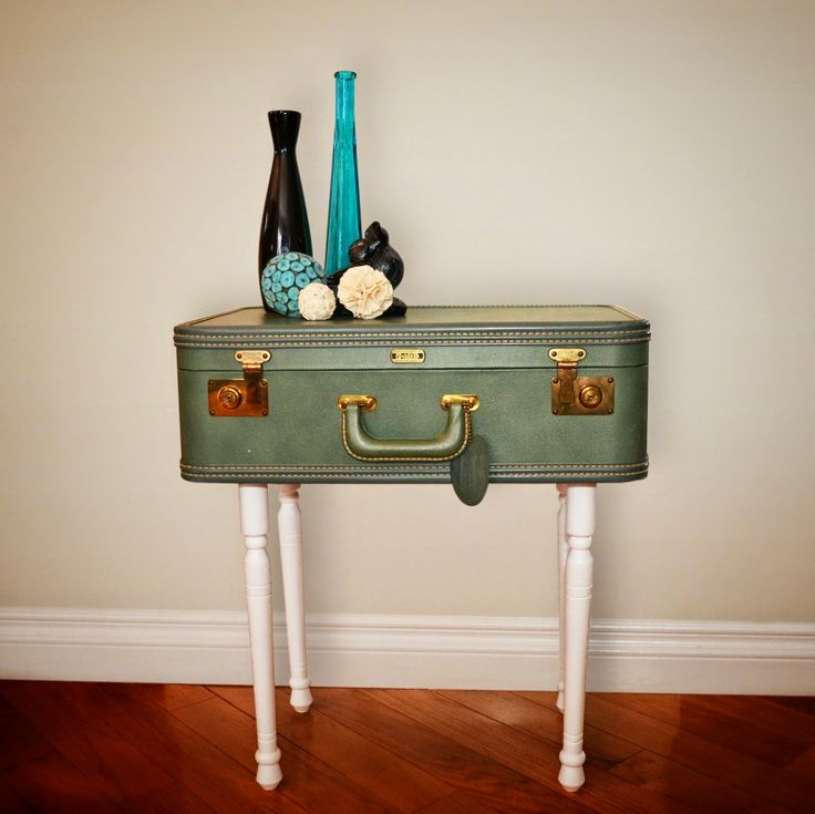the DIY diary: Do It Yourself: Vintage Suitcase Table looooove this ...