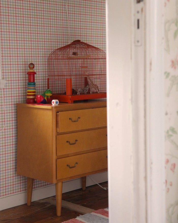 Jag fick önskemål om att skriva ett inlägg om hur man skapar ett barnrum med lantlig och gammaldags känsla. Såklart kan jag göra det! Viktigt att dock att