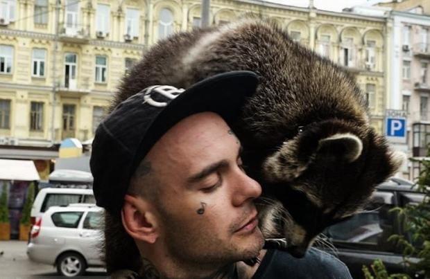 Енот Марли: новая звезда Сети покоряет сердца  https://joinfo.ua/showbiz/1213711_Enot-Marli-novaya-zvezda-Seti-pokoryaet-serdtsa.html