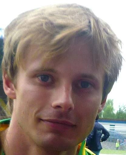 bradley james smile - photo #32