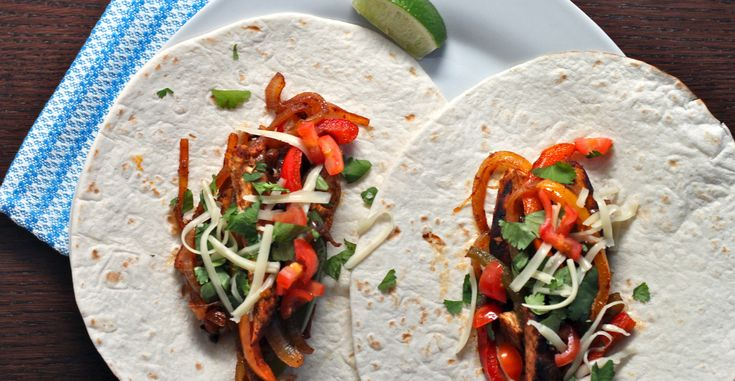 Try these tasty fajitas for an easy weeknight meal with some serious nutritional punch. http://greatist.com/eat/recipes/chicken-fajitas