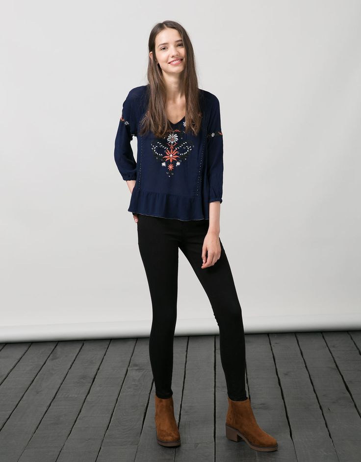 Bershka Israel - BSK flower embroidered blouse