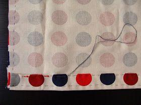 INGREDIENTES     40cm de tela   2m de cordón   Hilo y aguja   Aguja de ganchillo                       1. Doblar la tela por la mitad e hil...