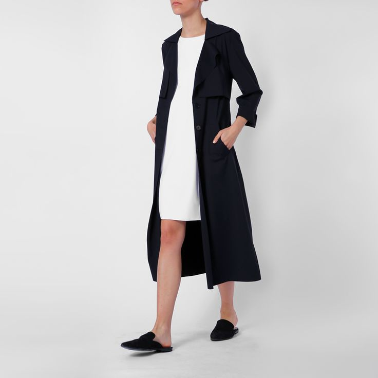 Trench Coat LOTIC and dress BILATURAL made out of recycled fisher nets and garbage from the oceans by eco fashion brand JAN 'N JUNE.