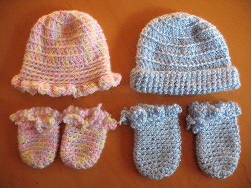 Ravelry: Melinda's Ruffled Preemie Hat and Booties pattern by Melinda Gorley