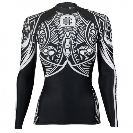 Longsleeve rashguard women MOKO. Color: black and white. Excellent quality rashguard HOBBY EXTREME is ideal for hard training people who appreciate the highest class of products. Made of high quality material, which, thanks to its flexibility, clings to the body. Sophisticated thermoregulation system by which the body is dry and the muscles warmed up. Sublimated logos (will not scratch).