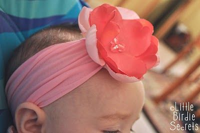 DIY Stretchy headband for babies. All you need is a pair of baby tights (and sewing notions). I am so going to try this!