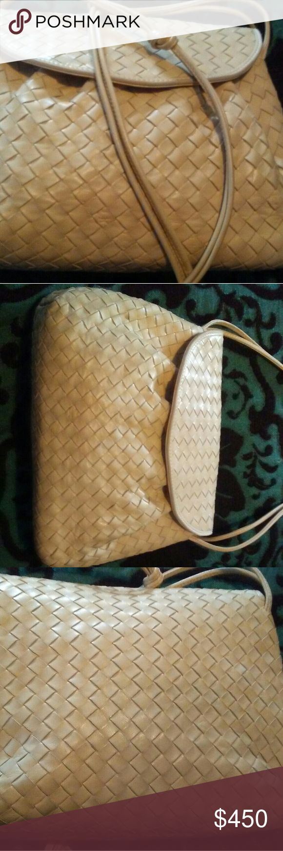 Bottega Veneta Intrecciato leather beige bag Cream designer bag, rarely used, medium sized purse. Soft cream leather outside, and tan suede inside, the neutral color ensures this bag will go great with a multitude of style options. Bottega Veneta Bags Shoulder Bags