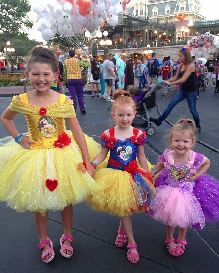 The Ingham Family (@inghamfamily) Instagram photo 2016-02-09 02:34:44 Isabelle, Esmé and Isla all ready to hit #mnsshp at #magickingdom. #princess #cuties