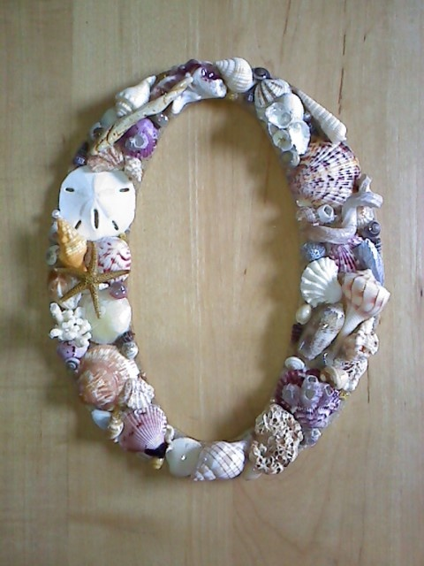 17 best images about sea shell mirrors and frames on for Sea shell crafts