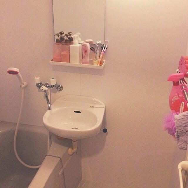 女性で、1Kの節水シャワーヘッド/狭い部屋/一人暮らし/バス/トイレについてのインテリア実例を紹介。(この写真は 2015-03-03 19:38:06 に共有されました)