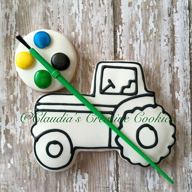 Paint your own tractor cookies! Great favors for parties or holidays! #decoratedcookies #decoratedsugarcookies #customcookies…