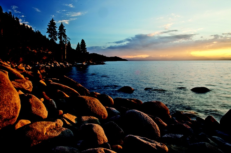 Check out this sunset and you'll wish you booked you trip to tahoe yesterday #MakeItHappen: