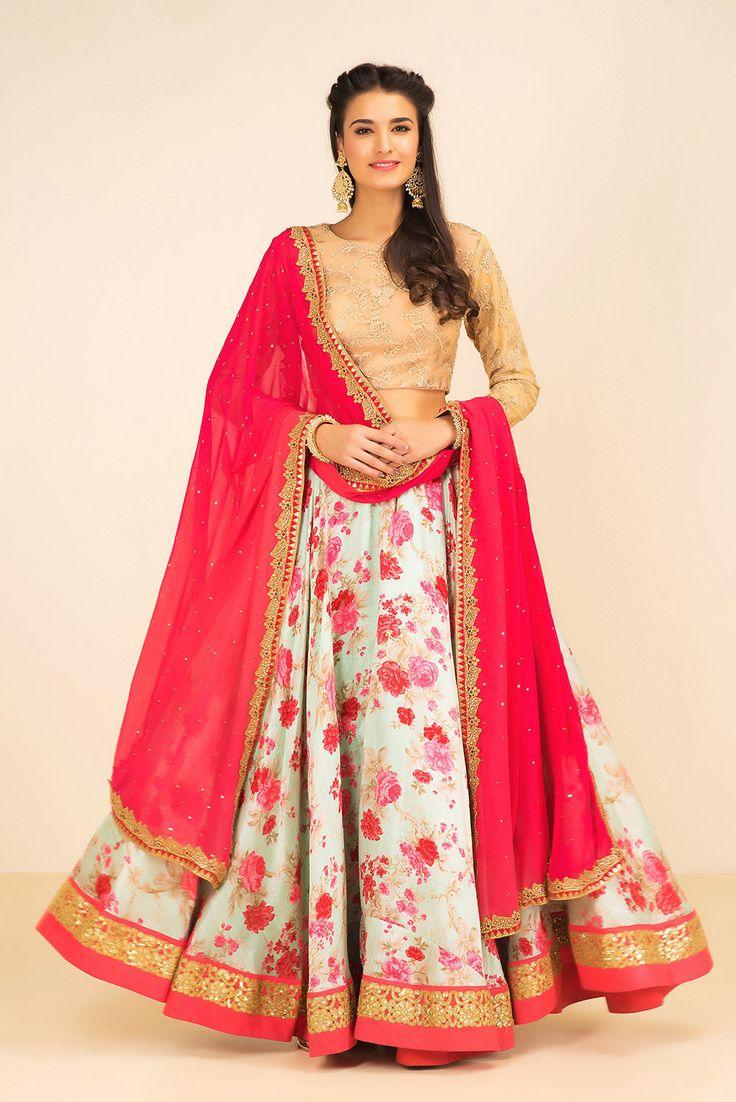 THE STYLE LOFT BY RITU DEORA Tri coloured lehenga set #flyrobe #wedding #weddingoutfit #designeroutfit #designerwear #bride #indianwedding #designerlehenga