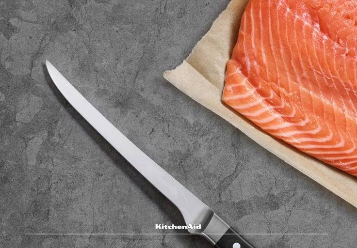 This week we will be sharing our #BestKeptFood Secrets of proteins and vegetables! We start off with fish! When preparing your cut of fish, remember to score the skin diagonally but not right through. This ensures that the fish does not curl up when cooking and looks great for plating! Much love KitchenAid Africa xx