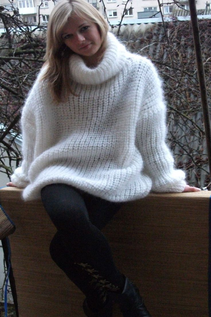 Brand New Hand knitted Mohair Turtleneck Sweater oversized -whit