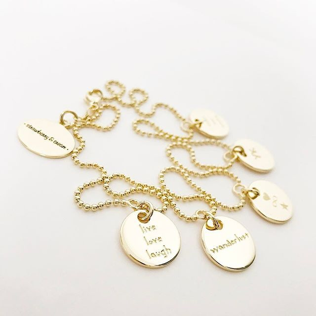 most important persons or things should be engraved on your own original family necklace 💫