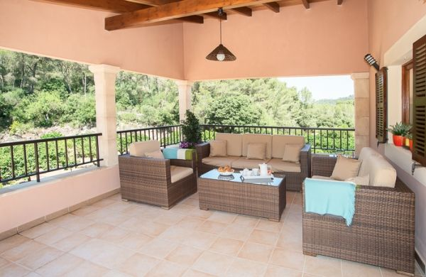 country house-bell lloc-covered terrace