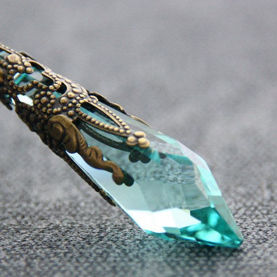 Antique Green Crystal Swarovski Necklace Antique Brass Jewelry Victorian Pendant Icicle Necklace Elegance December Birthstone Jewelry