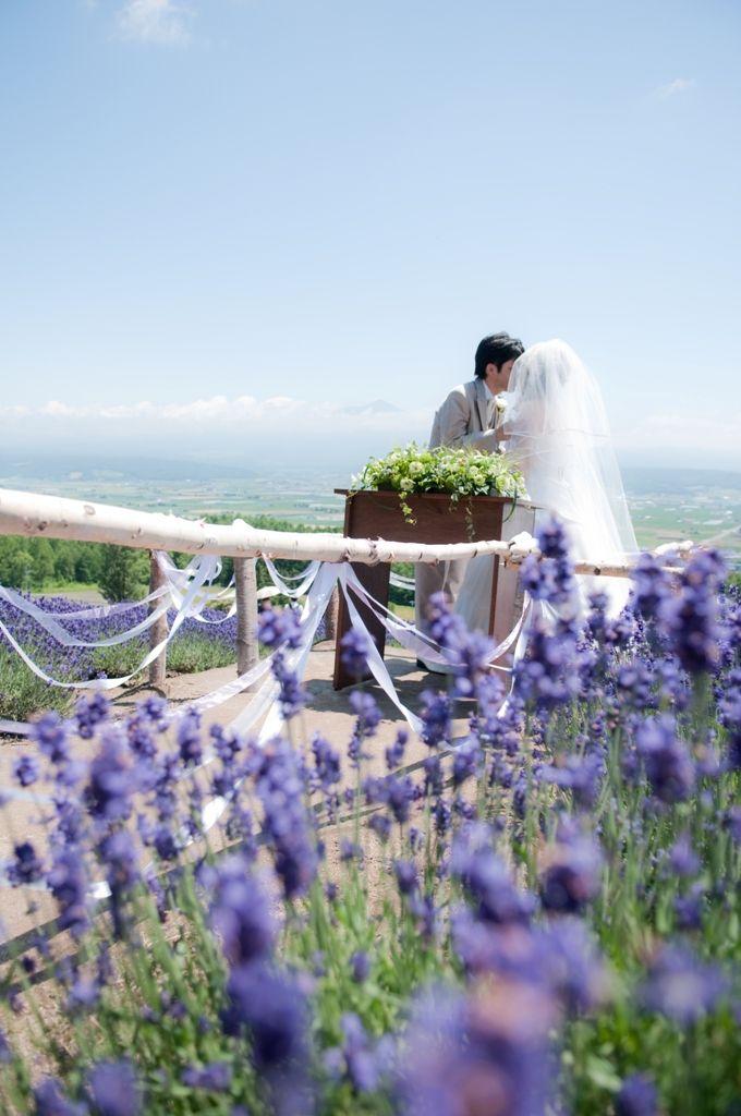 北海道上富良野のラベンダー畑で♡国内リゾートでの結婚式一覧♡ウェディング・ブライダルの参考に!
