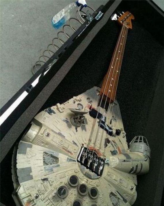 Guitar: Bassguitar, Geek Humor, Rebel Bass, Rebelbass, Millennium Falcon, Funny Pictures, Stars War, Dark Side, Bass Guitar