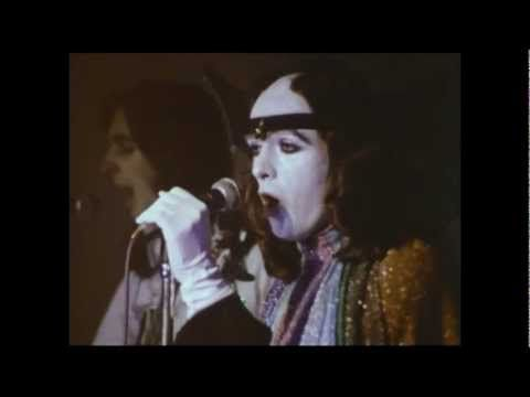 Genesis - Watcher Of The Skies - Midnight Special - 20/12/1973 - YouTube
