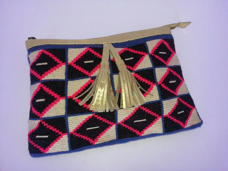 #wayuu #handmade #leather #colombian #ethnic #clutch  www.teiruma.com
