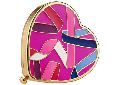 Produtos de maquiagem que ajudam a The Breast Cancer Research Foundation®!