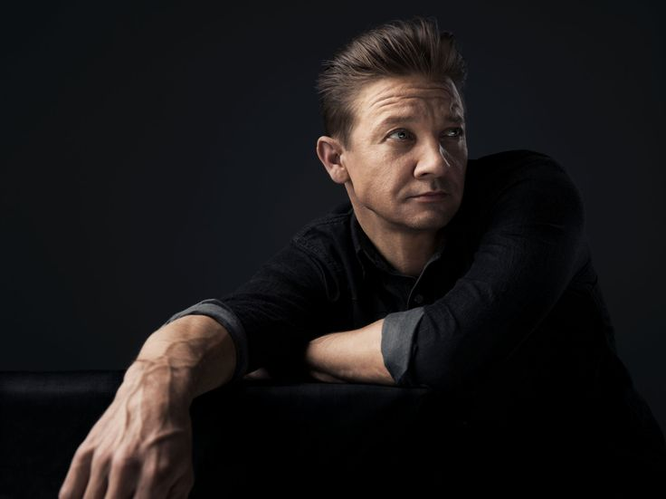 Take a dip into our ice-cold Wind River photo gallery, featuring stunning portraits of Jeremy Renner, Elizabeth Olsen and Taylor Sheridan by Sandro Baebler.