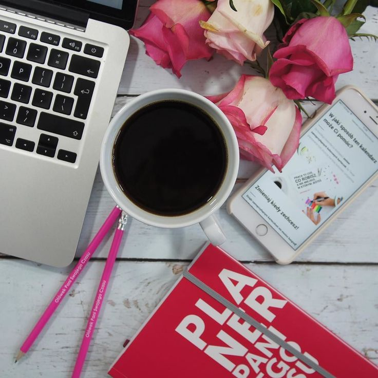 Dzisiaj niedziela a więc przyszedł mój dzień pisania artykułów  Wiele kobiet mówi że zrobi coś jak znajdzie chwilę czasu - poczytają książkę poćwiczą odpoczną. Niestety CZAS nie siedzi w kącie i nie czeka na to aż go znajdziemy. Jeśli chcesz to zrobić - zaplanuj! Ja pisanie artykułów planuję zawsze na niedzielę  Miłej niedzieli!!!