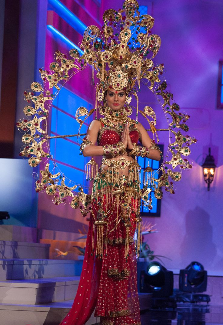 India - National Costume Inspired By The Miss Universe 2015 Pageant