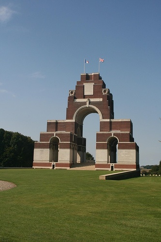 Thiepval Memorial & Thiepval Anglo-French Cemetery  Authuile  Somme  France  Sir Edwin L. Lutyens (1869- 1944), Principal Architect  CWGC WW1 Memorial & Cemetery