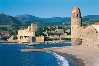 Le célèbre port de Collioure, lieu de prédilection des fauvistes (Matisse, Derain, Picasso, Dufy...)  www.gites-de-france-66.com