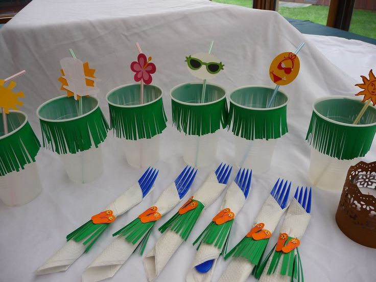 Decor Hawaiian Decorations With A Predominance Of Foliage For Events Like A Spoon Wrapped With Leaves And Wipes Also Pedestal Table White Cloth And Other Variations Buy Hawaiian Decorations to Add Hawaii Atmosphere in Your Home