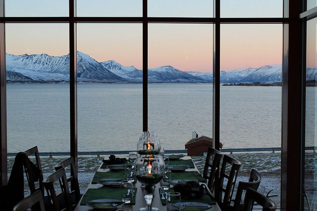 If you're looking for a great place to eat on the Vesterålen Islands: Andøy Friluftssenter! Fantastic view of the fjord. #magicnorway
