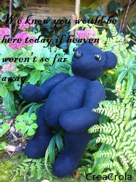 Herinneringsknuffel beer Balou, gemaakt van kleding van haar overleden vader . Van een T-shirt van Hardrockcafé (labeltje op rug beer). www.creacrola.nl