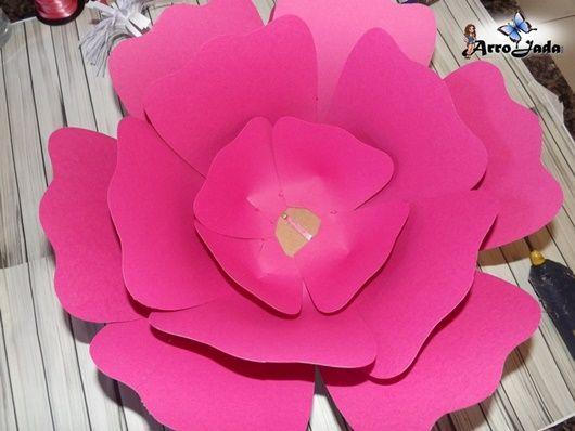 Flores gigantes de papel montagem