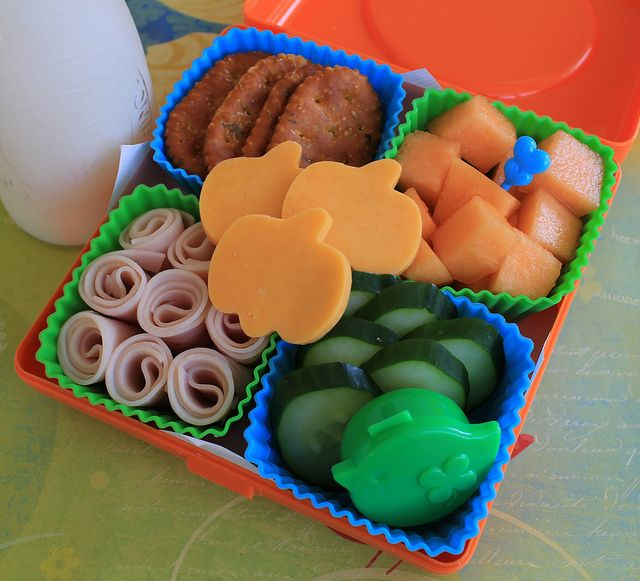 Such a cute idea, any shape for cheese and cheaper than lunchable, healthier too