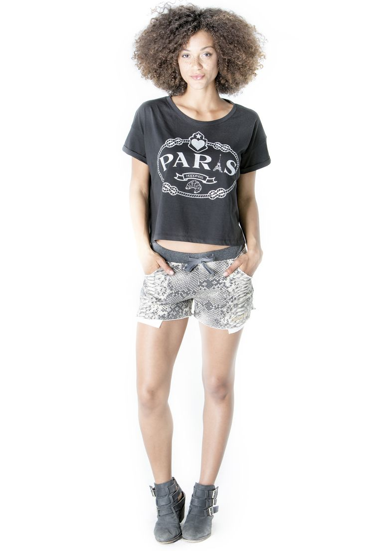 Get the look here!  Top: http://www.shophappiness.com/top-glitter-paris.html Pants: http://www.shophappiness.com/pantaloncini-pitone-beige.html