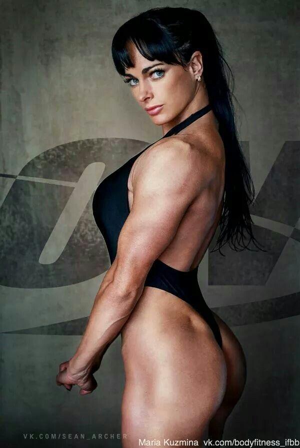 girls and bodybuilding women rocking dildos