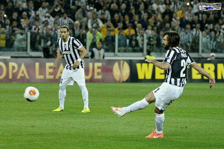 King of free kick andrea pirlo Leg 2 quarter final UEL  Juventus 2-1 lyon