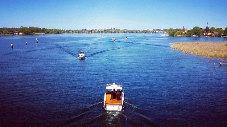 New photo online Was für ein schöner Tag heute in #werderhavel  What a beautiful day! #brandenburg #herrentag #himmelfahrt #feiertag #brandenburghavel #geltow #werder #potsdam #visitbrandenburg #wasser #sonne #blau #boot #motorboot #aufwasser #sonnegenießen #frühling #fruehling #radtour #baumblüte Hope you like it