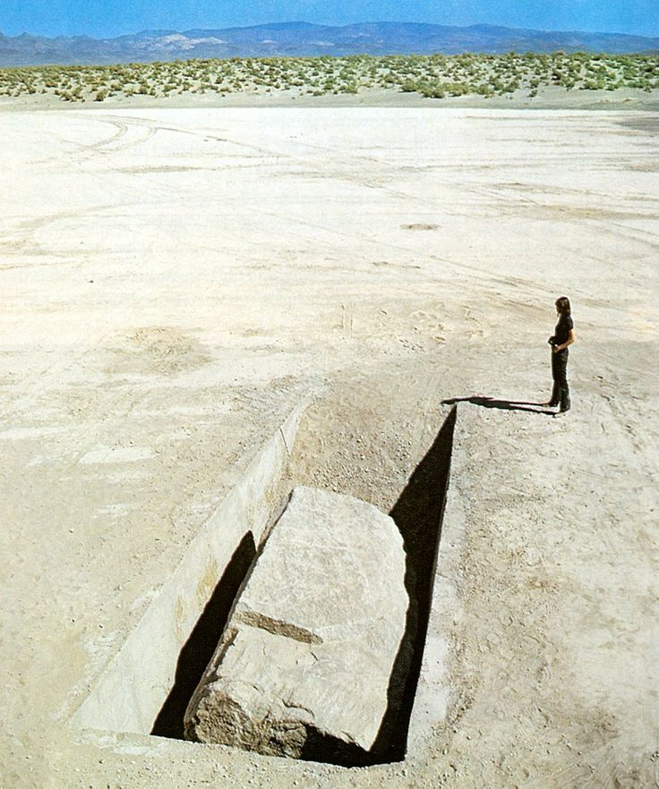 1969 Michael Heizer - Displaced/replaced mass No. 1 - Nevada, Silver Springs