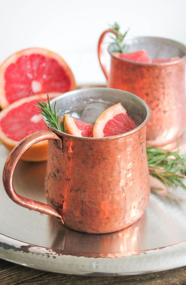 Grapefruit-Rosemary Mule 2 ounces vodka 2 ounces freshly squeezed pink grapefruit juice (That's about ½ a grapefruit.) ½ ounce (1 tablespoon) fresh lime juice 3 ounces chilled ginger beer 1 sprig fresh rosemary