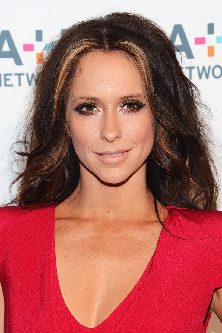 Jennifer Love Hewitt! She's gorg! And one of the best female actresses, for anyone who loves the Ghost Whisperer, or The Client List knows! =]