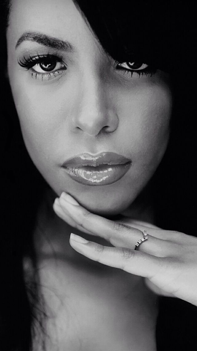 Aaliyah.@Shantelle Williams Ford Williams Ford Marie  #Photos #BlackandWhite #photography