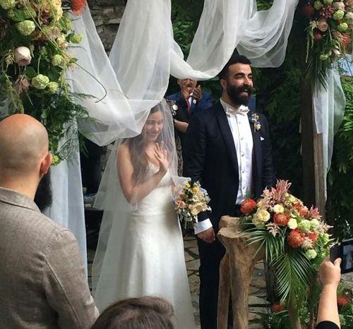 """BeyazBegonvil I Kendin Yap I Alışveriş IHobi I Dekorasyon I Kozmetik I Moda blogu: """"Beni Böyle Sev """"_Zeynep Çamcı Evlendi !"""